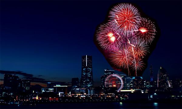 夜景の写真に花火の画像を配置